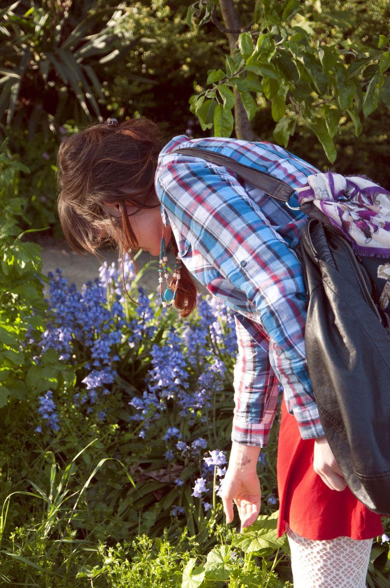 Madi_picking_flowers