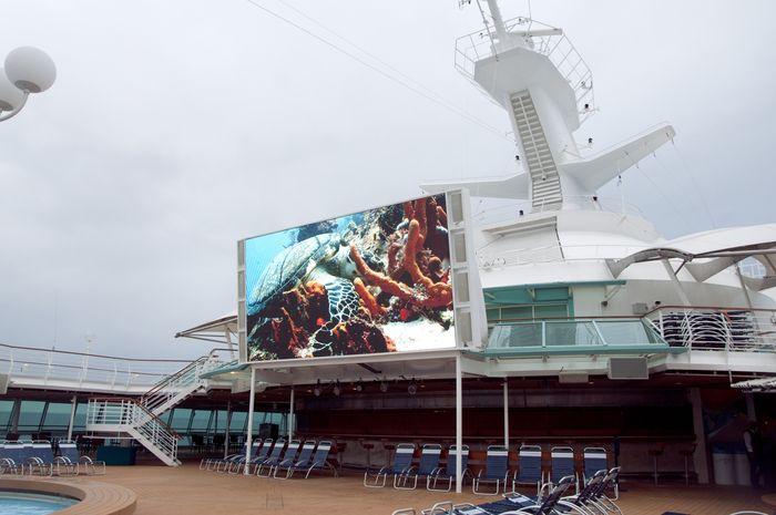 Tv_cruise_ship