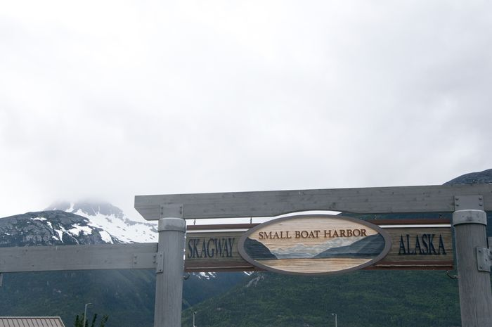 Skagway_sign