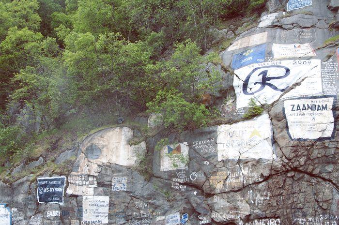 Sign_wall